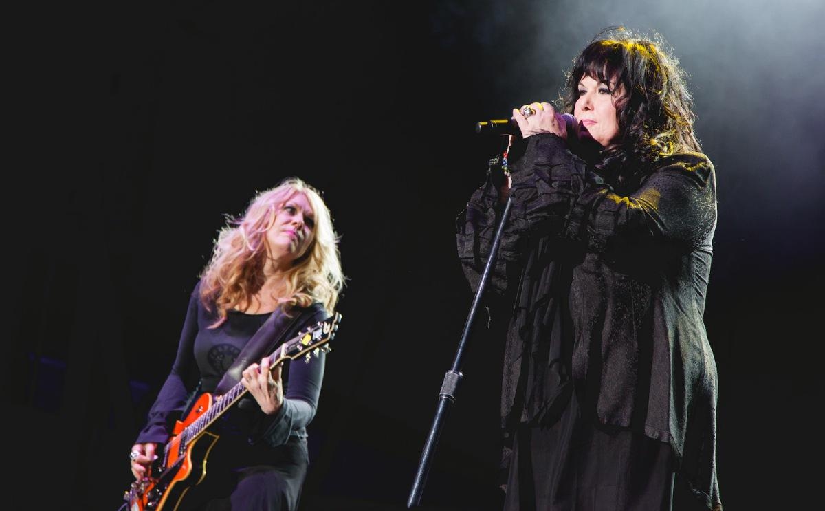 Ann & Nancy Wilson perform with Heart at BottleRock Napa, 2014