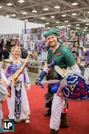 Zelda dn Link pose at Fan Expo Dallas
