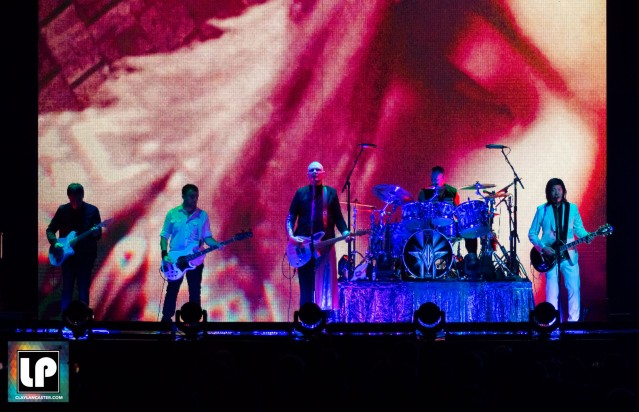 Smashing Pumpkins - Oracle Arena. Oakland, CA.